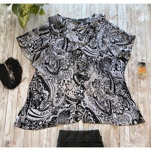 Separates black white floral print shirt sleeve